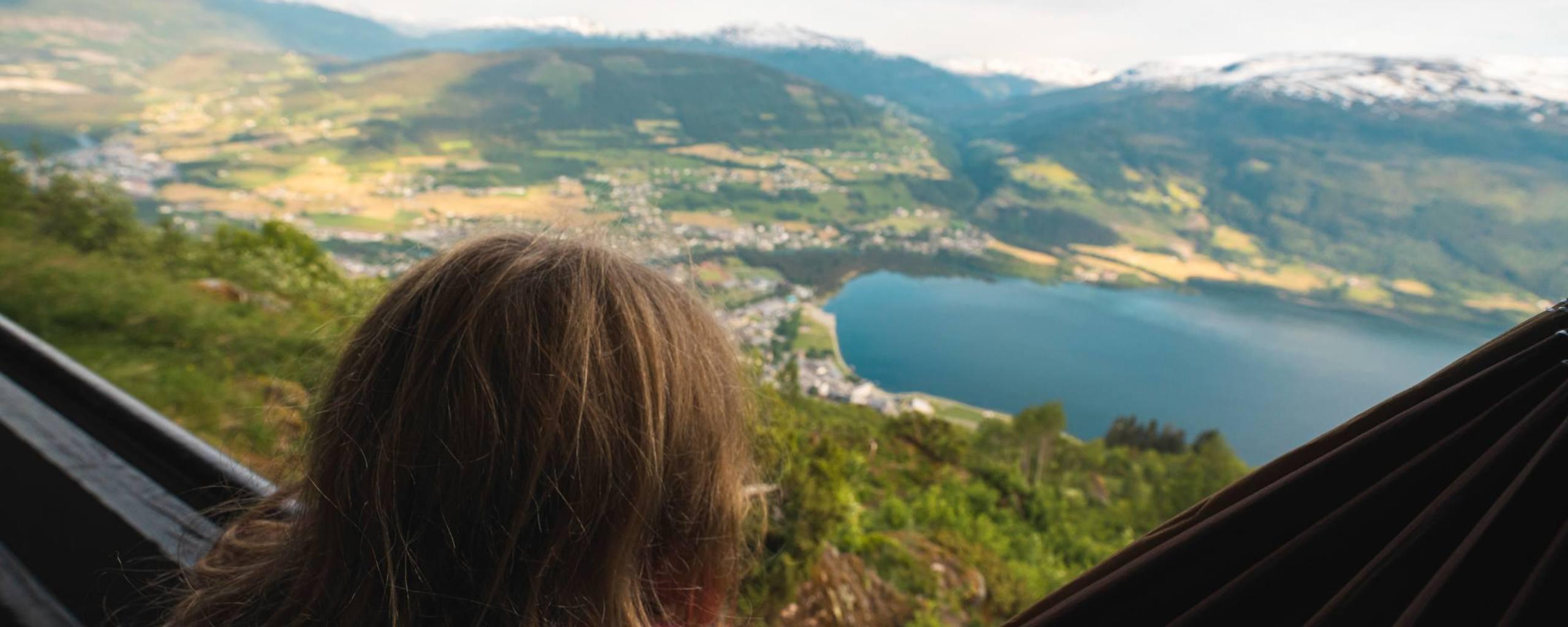 Utsikt frå hengekøya på Hanguren. Foto: Jon Hunnålvatn Tøn